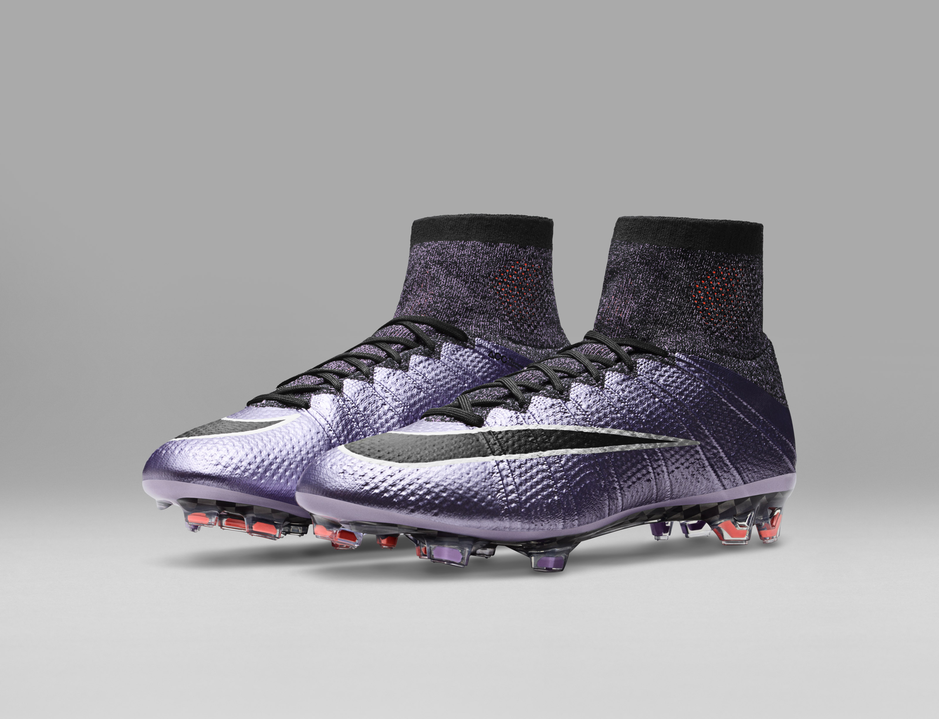 Nike_Football_LIQUID_CHROME_MERCURIAL_SUPERFLY_FG_641858_580_E_original