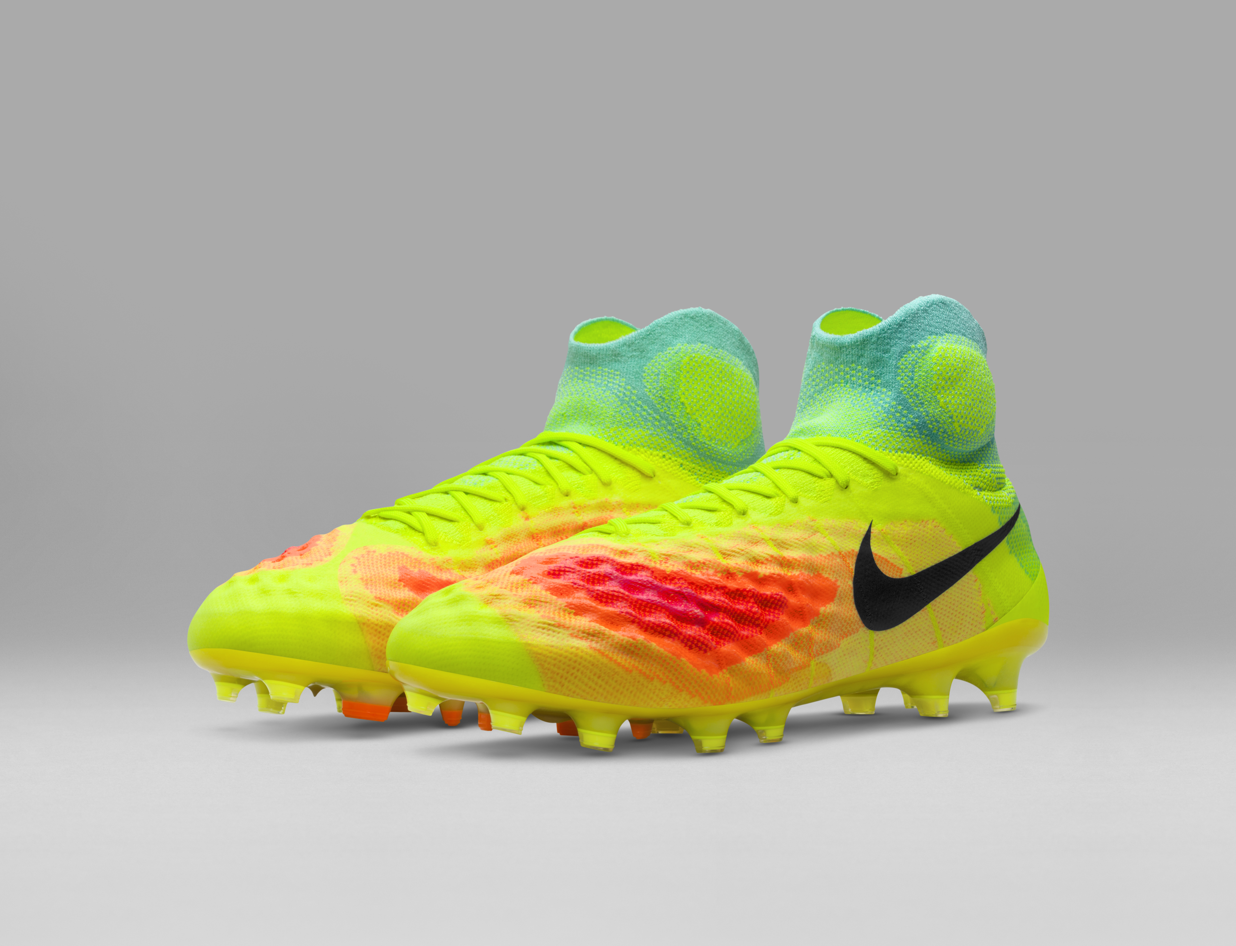 FA16_FB_Magista_Obra_pair_angle_original