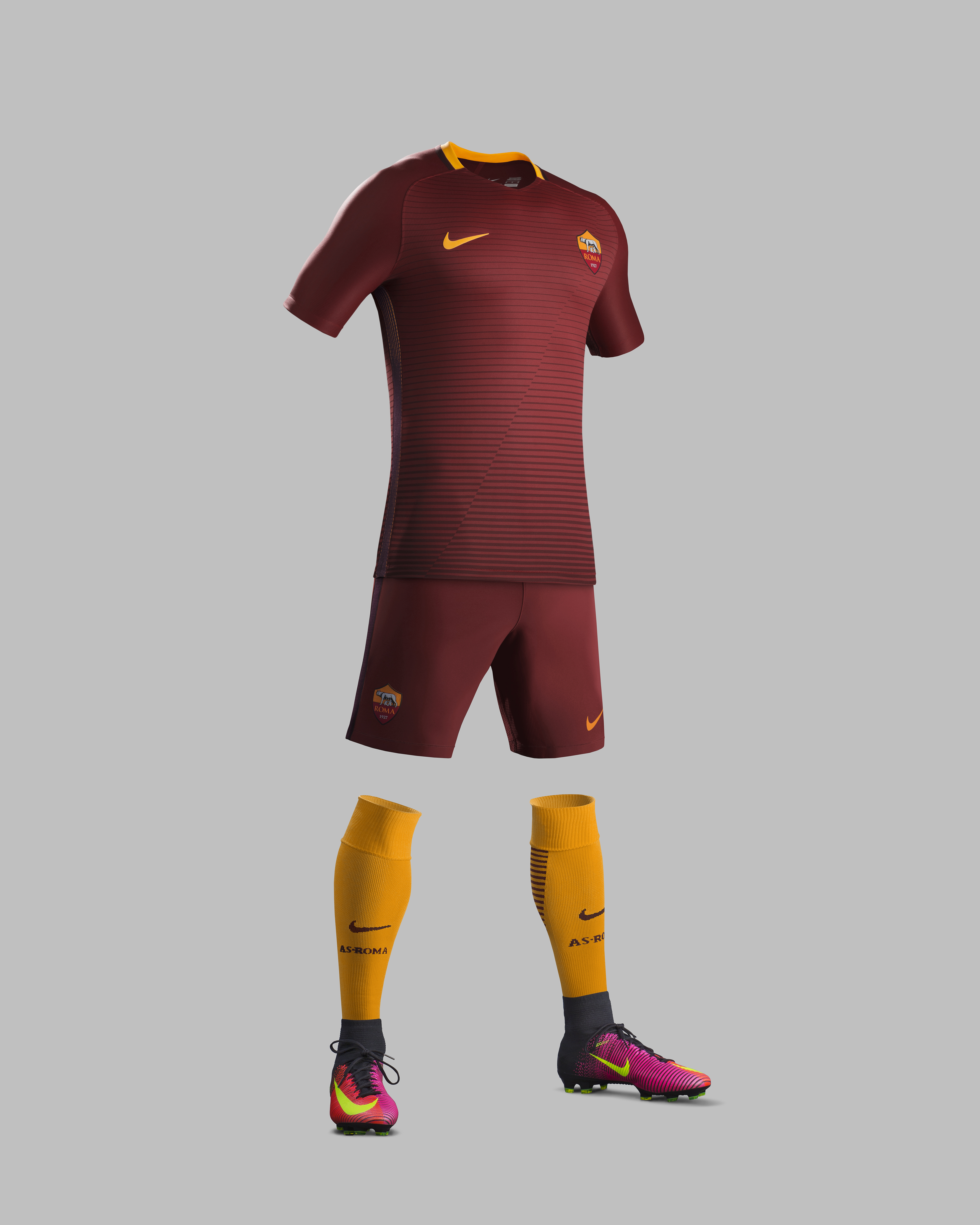 Su16_CK_Comms_H_Full_Body_Match_AS_Roma_R_original