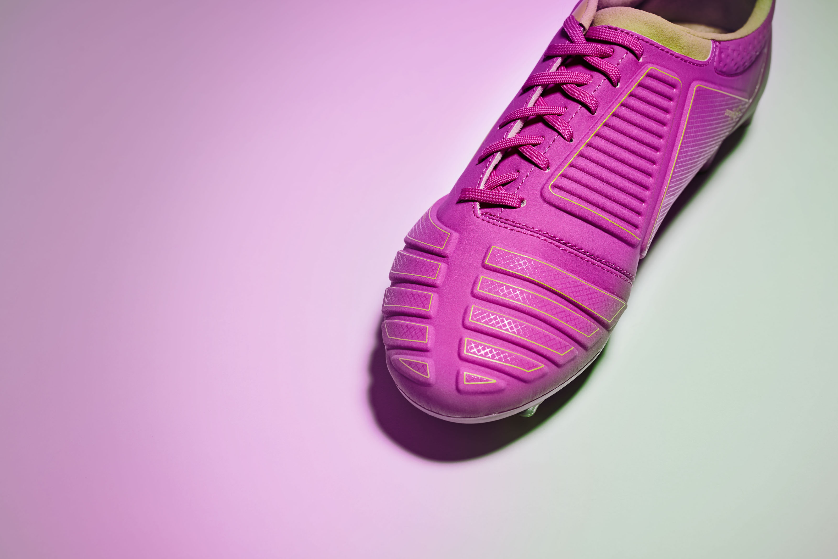 ms_umbro_aw16_accuro_purple_colour_001