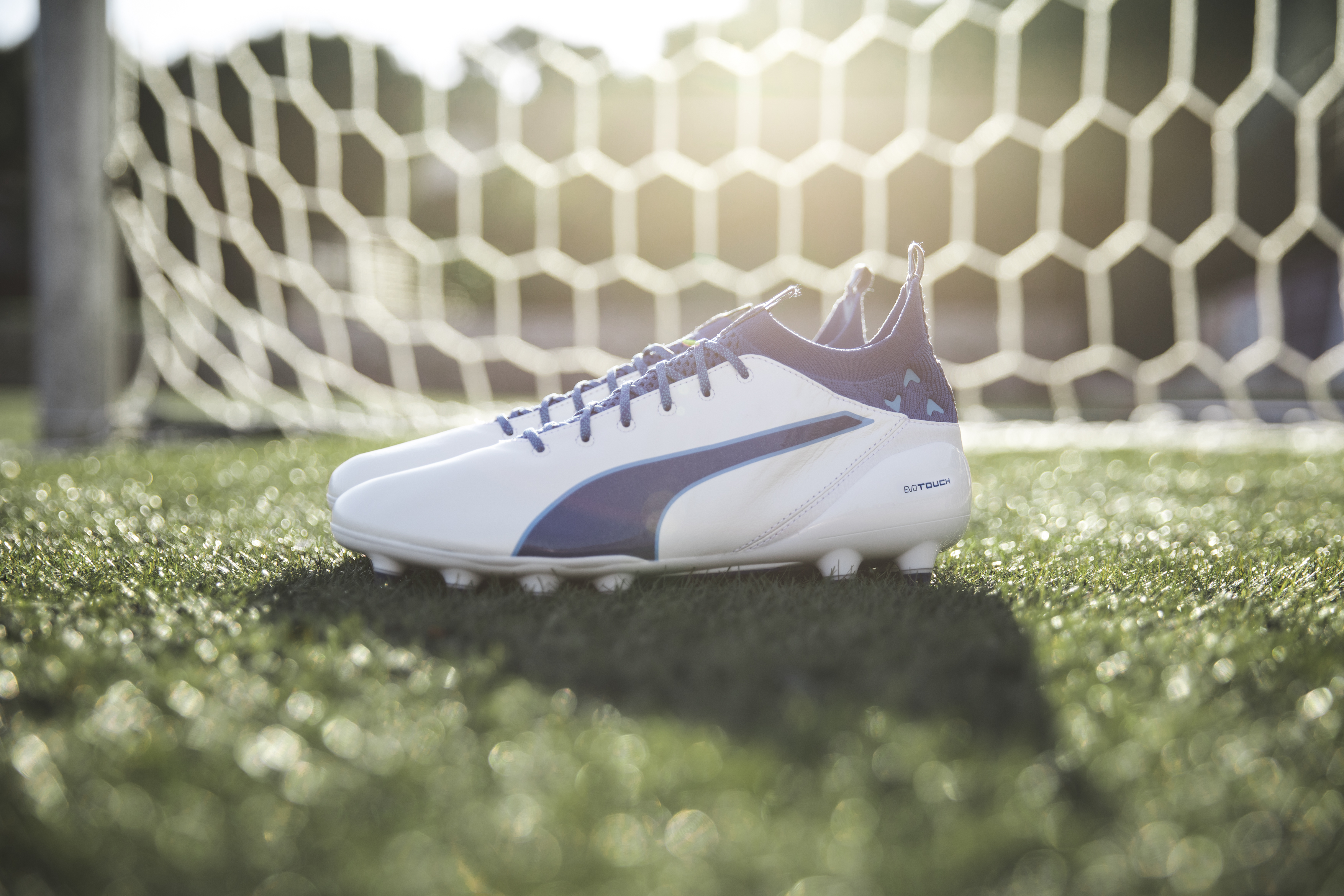 puma-unveils-latest-evotouch-in-striking-new-colourway_environment_2
