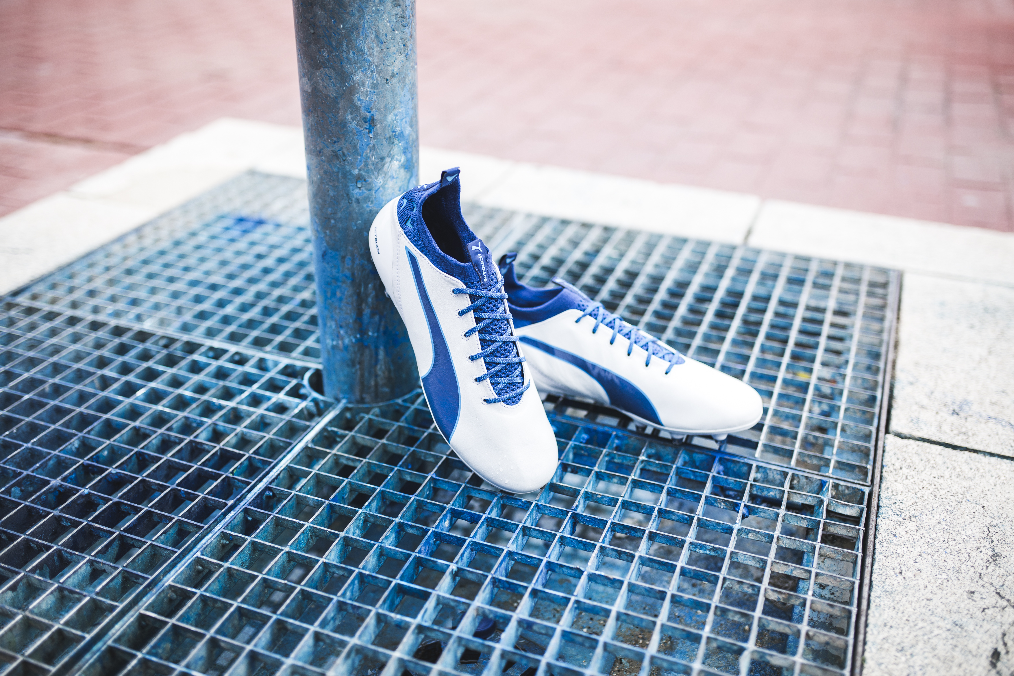 puma-unveils-latest-evotouch-in-striking-new-colourway_environment_8